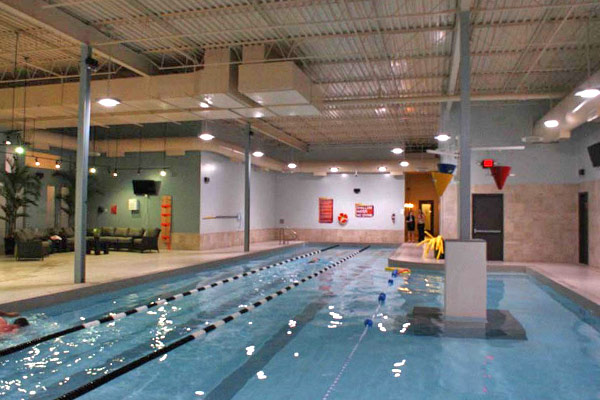 Gold's Gym Swimming Pool