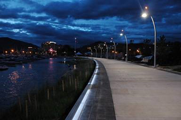 Stuart Park Kelowna BC Flex tube LED boardwalk